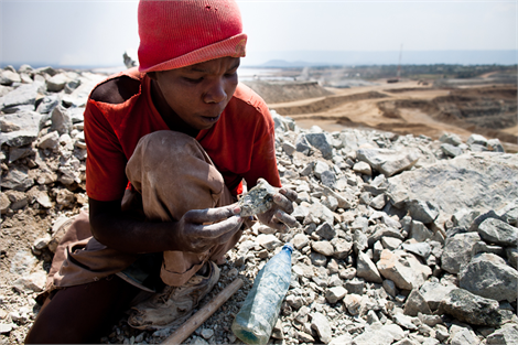 Tanzania artisanal miner